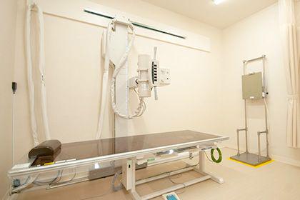 八代市「くはら皮膚科」診察室1写真